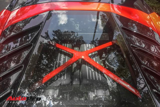 Lamborghini Huracan LP580-2 Thứ nhất Việt Nam về tay đại gia Sài Gòn - Ảnh 12.