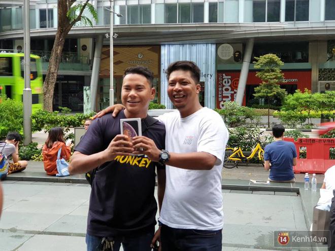 Vừa mua được iPhone mới, dân buôn Việt Nam đã nháo nhào bán lại máy giá gốc nhưng chẳng ai thèm ngó ngàng - Ảnh 8.