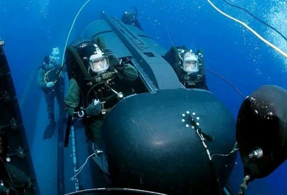 """Anh trang bị """"tàu ngầm mini"""" cho đặc nhiệm hải quân - Ảnh 1."""