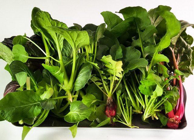 Nhiều chị em chỉ đơn giản cất rau củ vào trong tủ lạnh mà không hề biết rằng mỗi loại lại có cách bảo quản riêng như thế này - Ảnh 8.