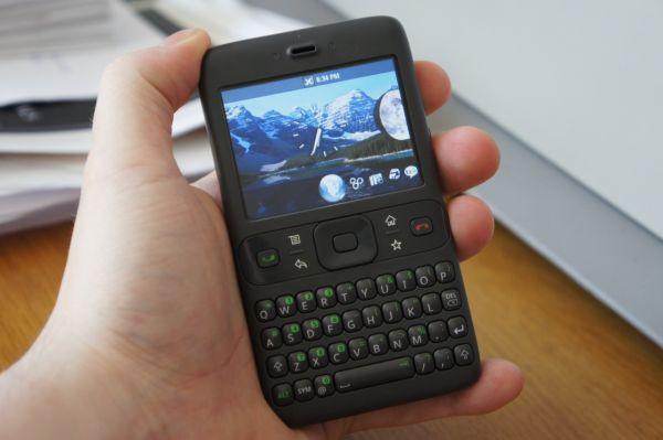 Bạn có biết đây chính là chiếc smartphone Android đầu tiên trên thế giới? - Ảnh 2.