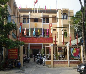 Hành vi xấu xí ở Đà Nẵng: Cán bộ phường xì lốp xe của dân vì đến làm việc quá lâu - Ảnh 1.