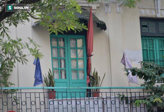 Khắp nơi treo cờ rủ Quốc tang Chủ tịch nước Trần Đại Quang - Ảnh 24.