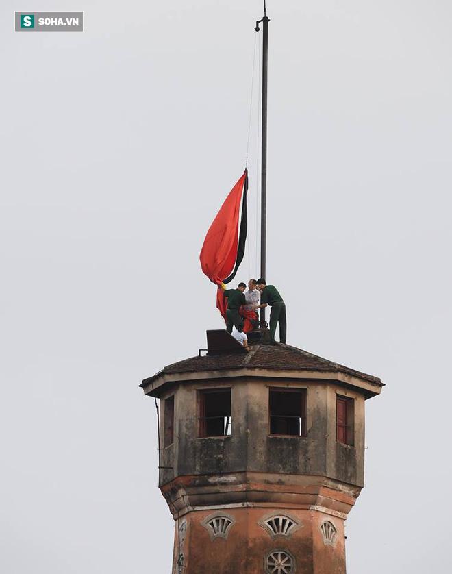 Khắp nơi treo cờ rủ Quốc tang Chủ tịch nước Trần Đại Quang - Ảnh 26.