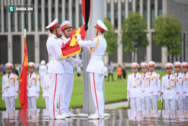 Khắp nơi treo cờ rủ Quốc tang Chủ tịch nước Trần Đại Quang - Ảnh 7.