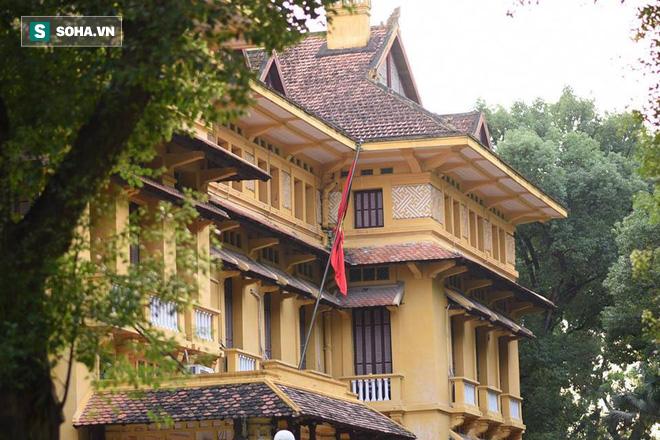 Khắp nơi treo cờ rủ Quốc tang Chủ tịch nước Trần Đại Quang - Ảnh 17.