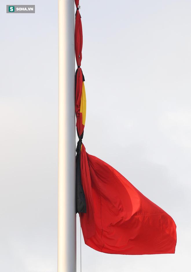 Khắp nơi treo cờ rủ Quốc tang Chủ tịch nước Trần Đại Quang - Ảnh 14.