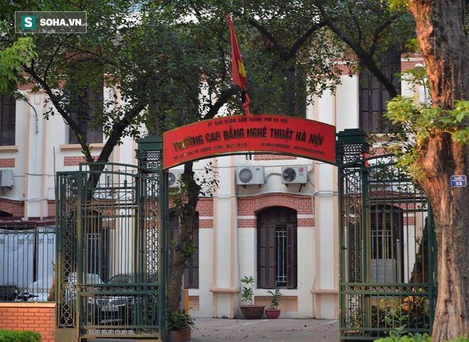 Khắp nơi treo cờ rủ Quốc tang Chủ tịch nước Trần Đại Quang - Ảnh 19.