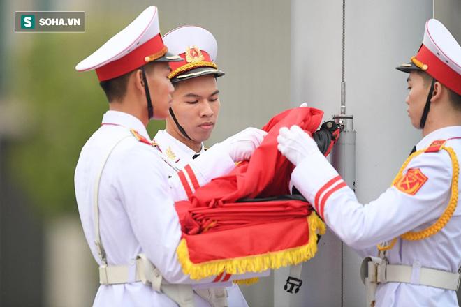 Khắp nơi treo cờ rủ Quốc tang Chủ tịch nước Trần Đại Quang - Ảnh 6.