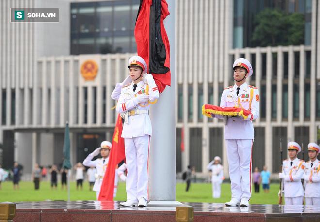 Khắp nơi treo cờ rủ Quốc tang Chủ tịch nước Trần Đại Quang - Ảnh 10.