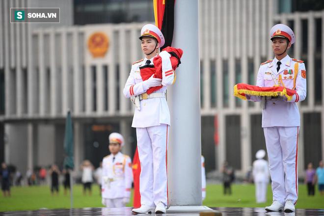 Khắp nơi treo cờ rủ Quốc tang Chủ tịch nước Trần Đại Quang - Ảnh 8.