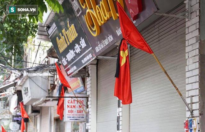 Khắp nơi treo cờ rủ Quốc tang Chủ tịch nước Trần Đại Quang - Ảnh 32.