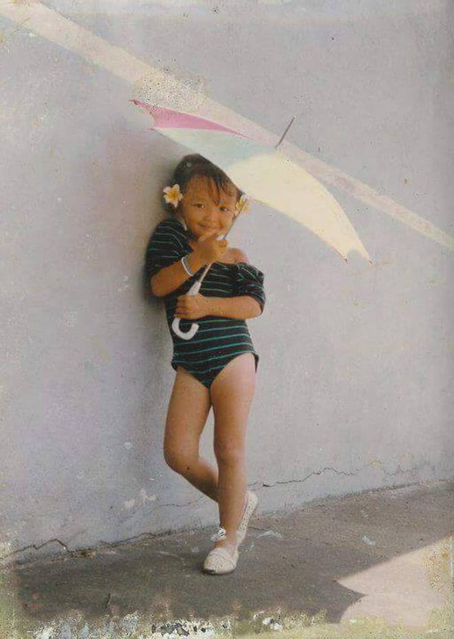 """Ngắm ảnh thời thơ ấu của sao Việt: Người đáng yêu, người gây bất ngờ với ngoại hình """"hai lúa"""" - Ảnh 11."""