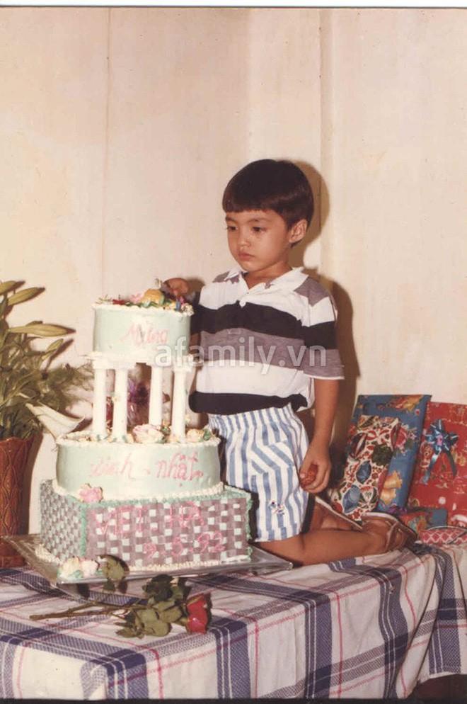 """Ngắm ảnh thời thơ ấu của sao Việt: Người đáng yêu, người gây bất ngờ với ngoại hình """"hai lúa"""" - Ảnh 16."""