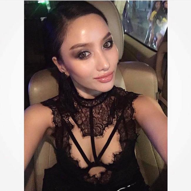 Ngắm loạt ảnh mới ở Thái Lan mới thấy cựu hot girl Meo Meo ngày càng sexy lạ: Nhuộm da nâu, môi dày quyến rũ như mẫu Tây - Ảnh 3.
