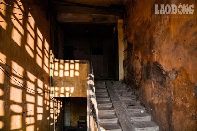 """Bên trong khu nhà """"nguy hiểm nhất"""" Hà Nội - Ảnh 8."""