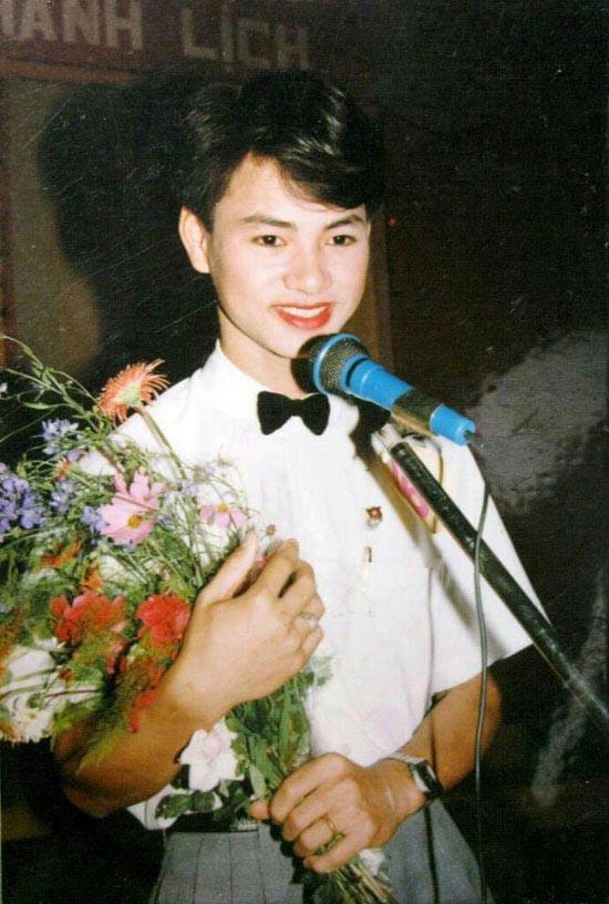 """Ngắm ảnh thời thơ ấu của sao Việt: Người đáng yêu, người gây bất ngờ với ngoại hình """"hai lúa"""" - Ảnh 9."""