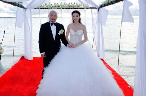 Mỹ nhân phim Châu Tinh Trì: Đẹp nóng bỏng vẫn khổ vì chồng, 2 lần ly hôn trong đau đớn ê chề - Ảnh 3.