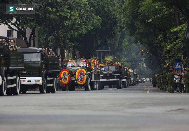 Loại xe hoàn toàn mới xuất hiện trong đoàn xe chở linh cữu Chủ tịch nước Trần Đại Quang - Ảnh 3.