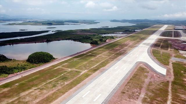 Phi trường Vân Đồn 7.500 tỉ đồng dự trù khai thác 1 vài chuyến bay thương mại - Ảnh 1.