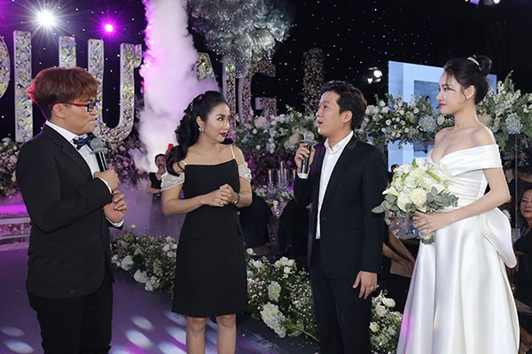 MC đám cưới của Nhã Phương chính là cô gái Trường Giang yêu đơn phương 17 năm trước - Ảnh 4.