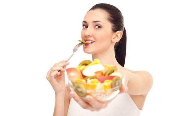 Nên ăn trái cây trước hay sau bữa ăn? - Ảnh 1.