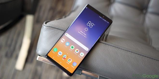 Galaxy Note 9 được cho điểm tối đa về mức độ hài lòng ở 2 thị trường khó tính bậc nhất thế giới - Ảnh 1.