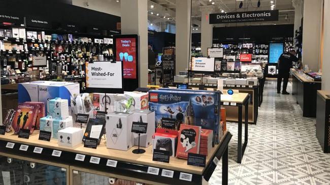 Cận cảnh cửa hiệu phân phối lẻ truyền thống Amazon vừa mở ở New York - Ảnh 1.