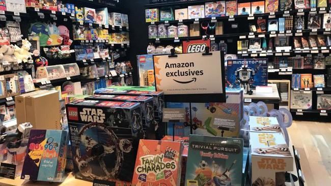 Cận cảnh cửa hiệu phân phối lẻ truyền thống Amazon vừa mở ở New York - Ảnh 2.