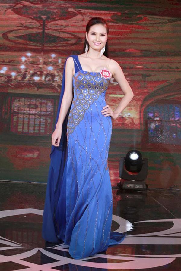 Hình ảnh thí sinh có mái tóc đẹp nhất Hoa hậu Việt Nam 2014 cạo trọc đầu gây xôn xao - Ảnh 4.