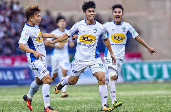 Công Phượng bị treo giò, lỡ cơ hội đua vua phá lưới V-League - Ảnh 1.