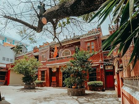 Phá cửa địa ngục xá tội vong nhân tại đạo quán độc nhất vô nhị ở Chợ Lớn Sài Gòn - Ảnh 1.
