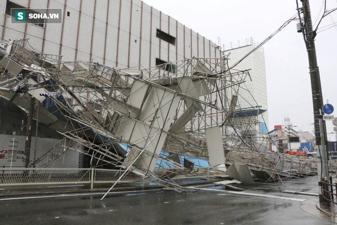 Siêu bão Jebi tấn công Nhật Bản: Thước phim dữ dội của The Guardian - Ảnh 1.