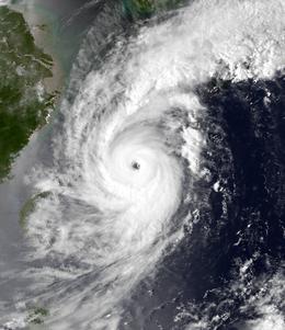 Vì sao siêu bão năm 1993 được lấy làm mốc để so với bão Jebi đang tấn công Nhật Bản? - Ảnh 3.