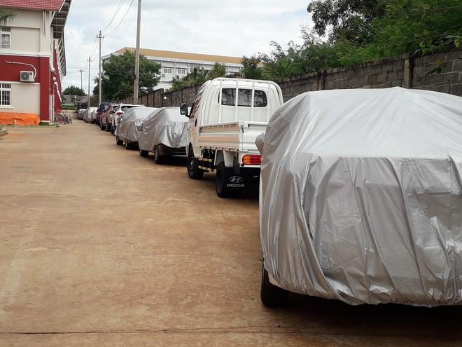 Ô tô đỗ kín đường trong lễ khai giảng ở trường tư lớn nhất Đắk Lắk - Ảnh 8.