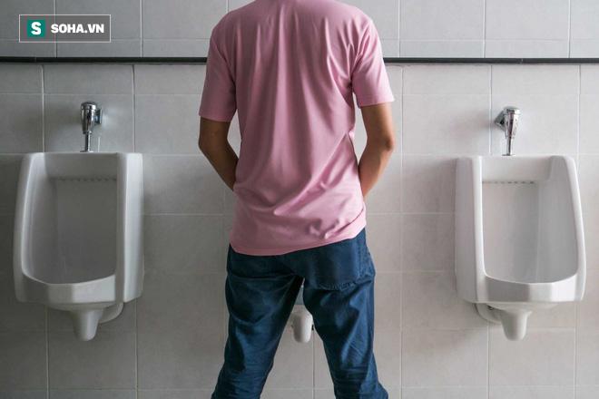 15 dấu hiệu báo ung thư đang rình rập nam giới: Nhớ để còn giúp người khác phát hiện sớm - Ảnh 1.