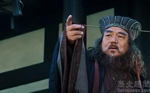 Dẫn cả binh đoàn đi trộm mộ vua Hán, Đổng Trác phải bỏ của chạy lấy người vì 1 chiếc khăn - Ảnh 4.