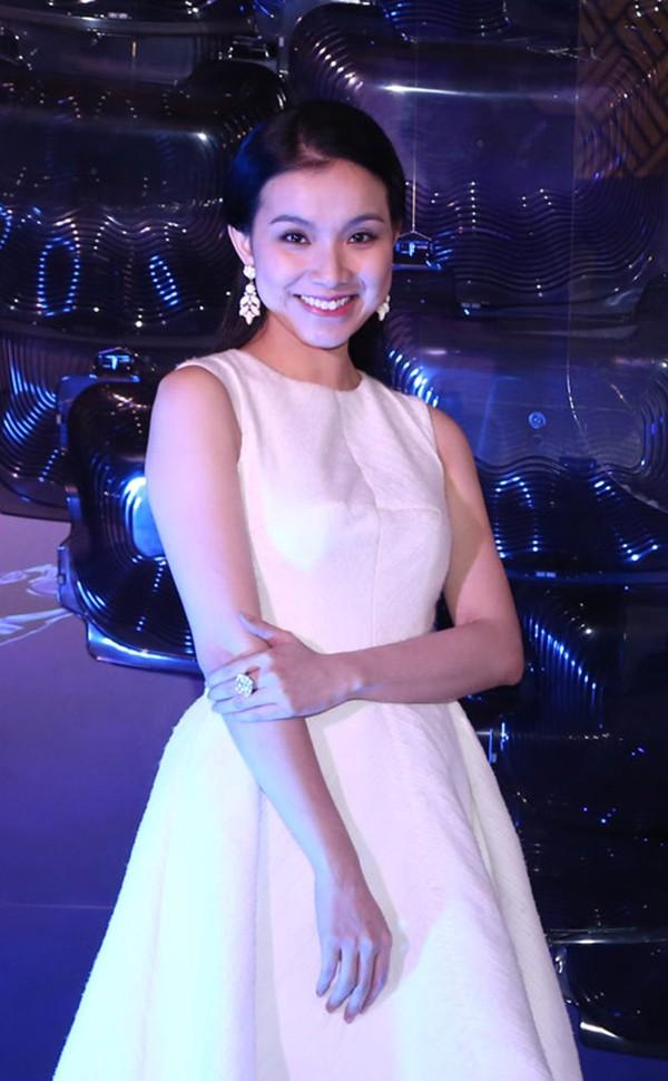 Điểm chung về 3 hoa hậu gợi cảm, mạnh dạn đóng vai gái mại dâm trên màn ảnh Việt - Ảnh 2.