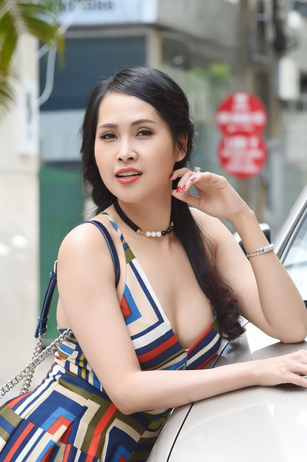 Điểm chung về 3 hoa hậu gợi cảm, mạnh dạn đóng vai gái mại dâm trên màn ảnh Việt - Ảnh 4.