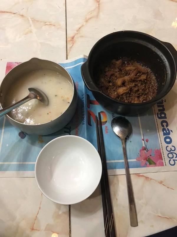 Bữa ăn đạm bạc sau thời gian nằm viện điều trị ung thư phổi của diễn viên Lê Bình - Ảnh 2.