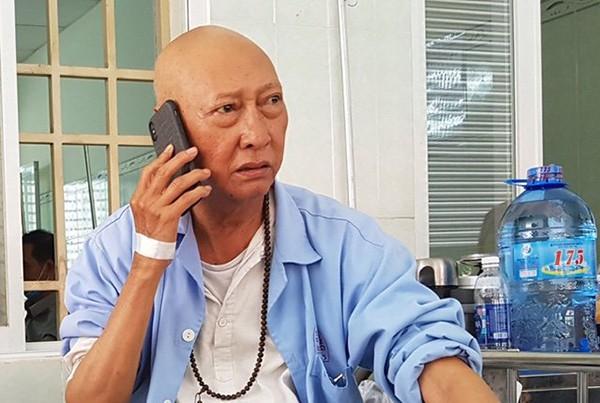 Bữa ăn đạm bạc sau thời gian nằm viện điều trị ung thư phổi của diễn viên Lê Bình - Ảnh 3.