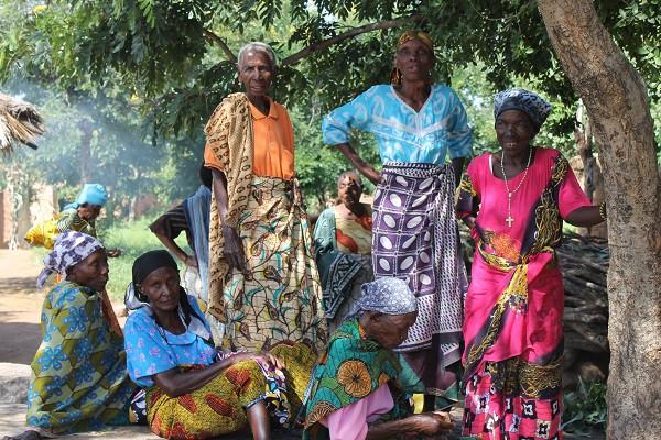 Tanzania: Quan hệ trước hôn nhân mới là thời thượng, đổi tình lấy tiền mới là gái ngoan - Ảnh 4.