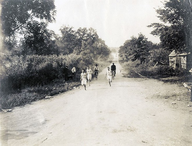 Không cho VĐV uống nước, bắt nuốt thuốc chuột thay doping và những bí mật động trời tại marathon Olympic 1904 - Ảnh 6.