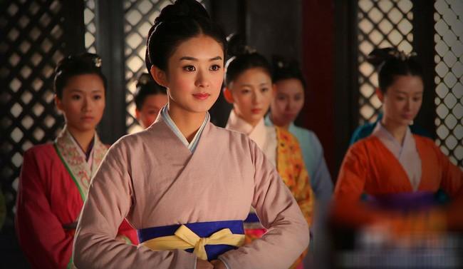 Hoàng Quý phi đầu tiên trong lịch sử Trung Hoa: Từ nhũ mẫu hơn vua 19 tuổi đến phi tần độc ác giết hại hoàng nhi nhưng vẫn đắc sủng - Ảnh 2.