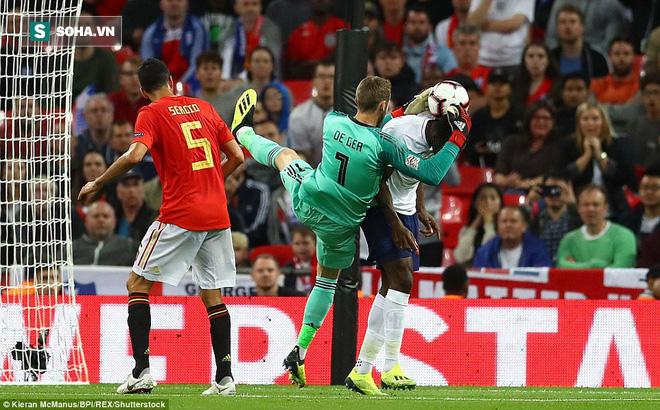 Bộ đôi cọc cạch Man United lập công, Tam sư vẫn nhấn chìm Wembley trong thất vọng - Ảnh 2.