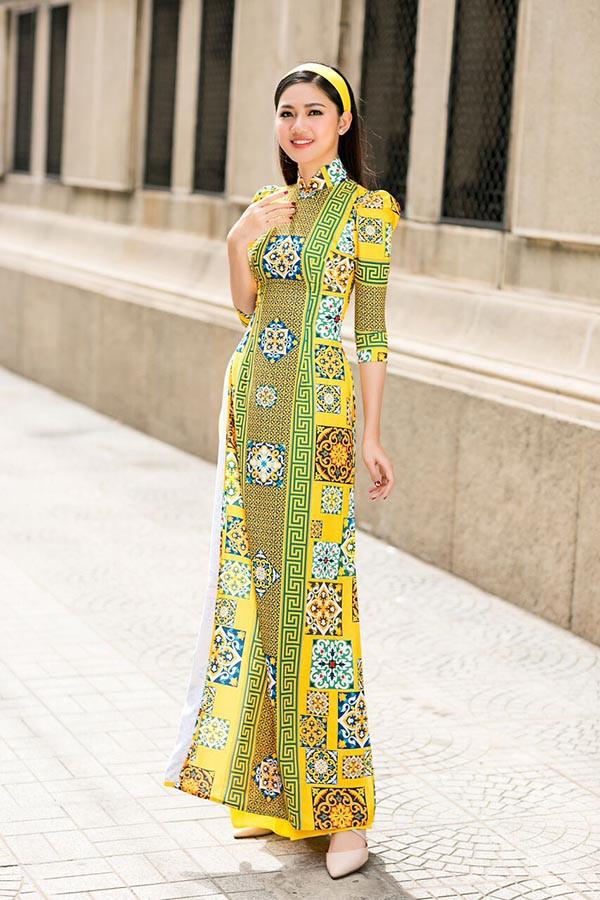 Á hậu Diễm Trang, Thanh Tú khoe sắc với áo dài cách tân - Ảnh 5.