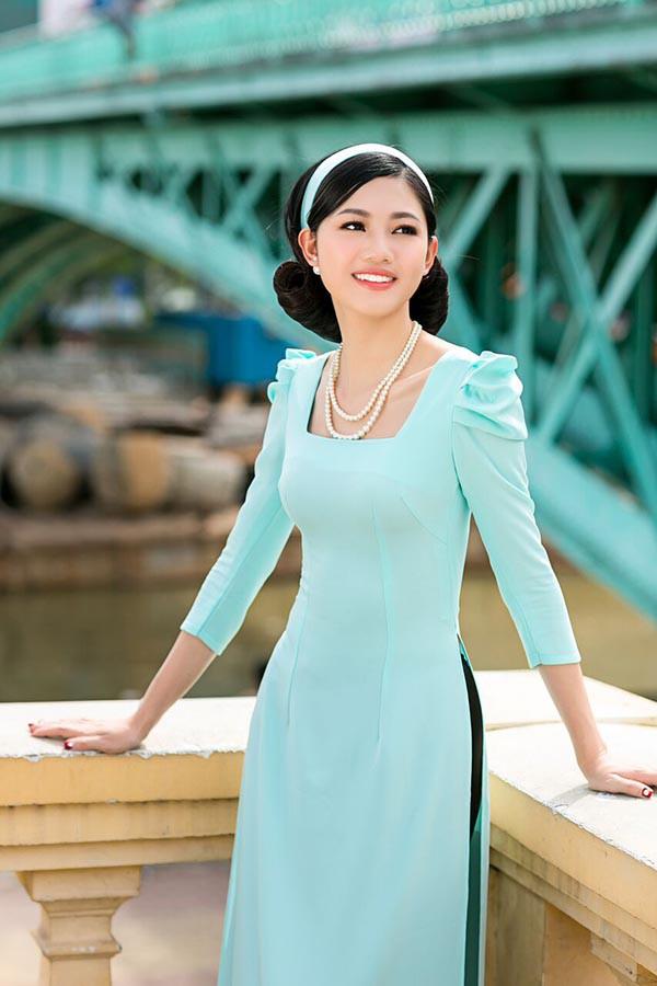 Á hậu Diễm Trang, Thanh Tú khoe sắc với áo dài cách tân - Ảnh 7.
