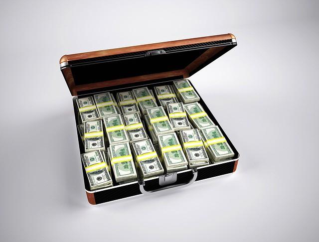 Nếu có người trúng tối đa 300 tỷ xổ số Jackpot, cần bao nhiêu chiếc xe mới chở về hết? - Ảnh 3.