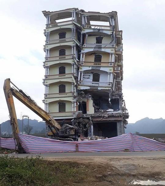 Phá nhà 7 tầng của Tàng Keangnam: Đơn vị thi công làm ẩu, thiếu an toàn - Ảnh 1.