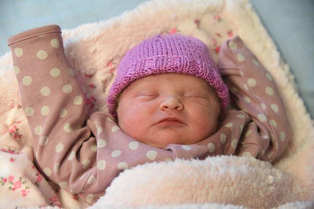 8 lần sảy thai đầy đau đớn vẫn không có được 1 đứa con, người phụ nữ nhận món quà vô giá đúng ngày đầu năm mới - Ảnh 2.